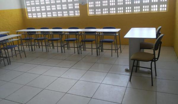 Imagens da Escolas da Rede Municipal Recebem Novo Mobiliário para Salas de Aula