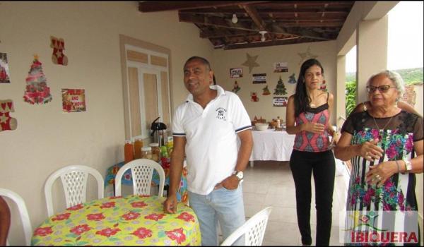 Imagens da O Prefeito Ivan Almeida se confraterniza com os garis com café da manhã pelo 2º ano consecutivo em Ibiquera
