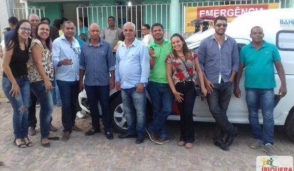 Nova ambulância é recebida com festa e fogos de artifício em Ibiquera