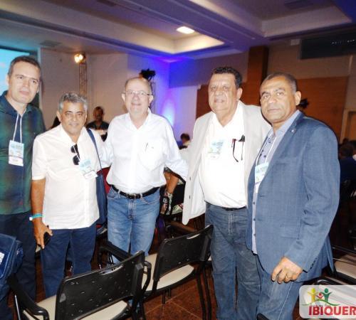 O Prefeito Dr. Ivan Almeida participou do sexto Encontro de Prefeitos do estado da Bahia em Salvador