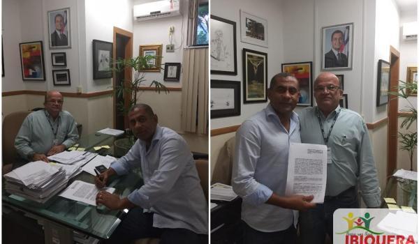 Prefeito Ivan Almeida Assina Termo de Convênio para Construção da Nova Praça Pública de Ibiquera