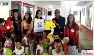 Educação: Prefeito Ivan Almeida Entrega Fardamento para Alunos das Escolas Municipais