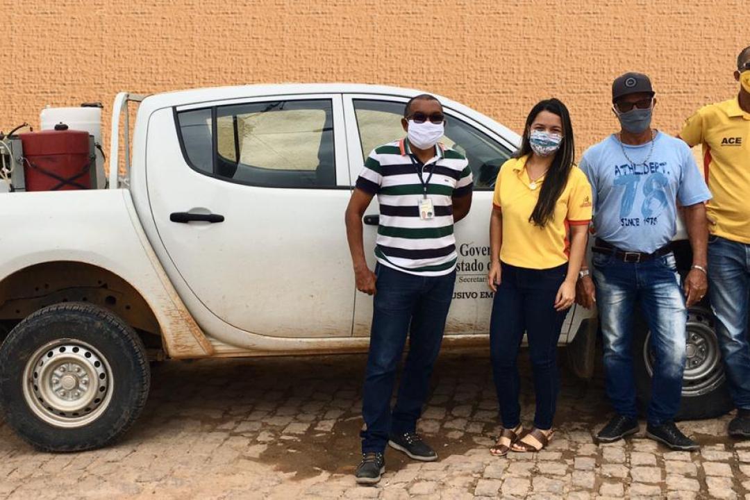 Prefeitura de Ibiquera usa Carro Fumacê para Combater o Mosquito Aedes Aegypti