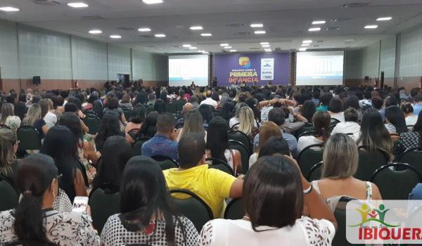 Secretária de Assistência Social de Ibiquera Participa de Seminário Estadual da Primeira Infância em Salvador